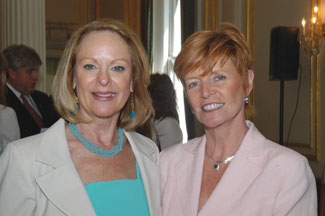Pattie Cunningham from Continental Airlines with Attracta Lyndon of Dooley Car Rentals Ireland.