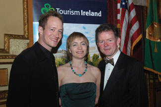 Irish Chamber Orchestra Music Director Anthony Marwood (left) and his colleague ICO Chief Executive, John Kelly flank Tourism Ireland's Joan